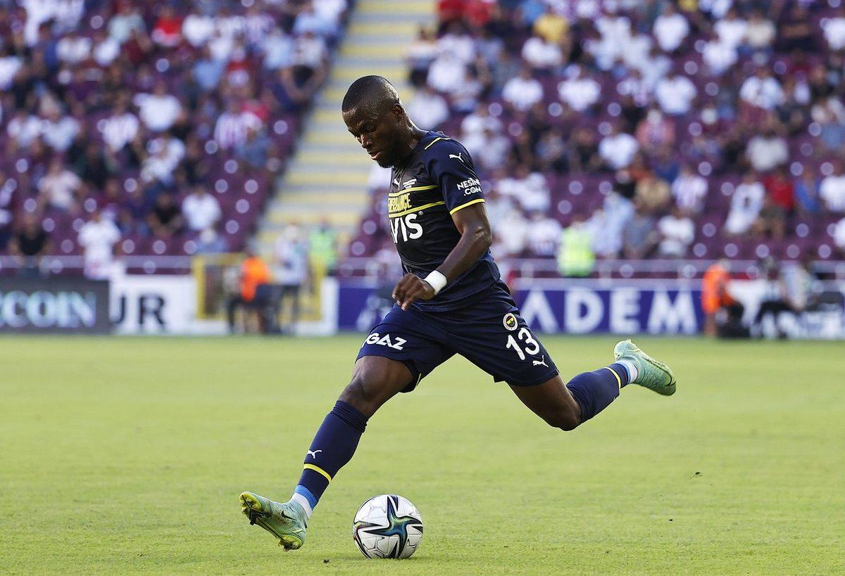 DOBLE ASISTENCIA de gol del ecuatoriano Enner Valencia para brillar con el Fenerbahce (VIDEO)